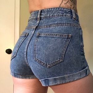 Bullhead | High Waisted Mom Shorts - 7